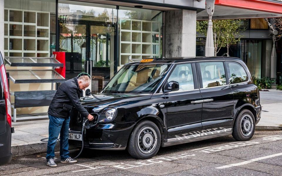 Black Cabs In London Are Going Green Euro Car Parts Blog